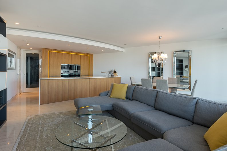 3 bedroom(s) apartment to sale in St George Wharf, Vauxhall, London-image 8
