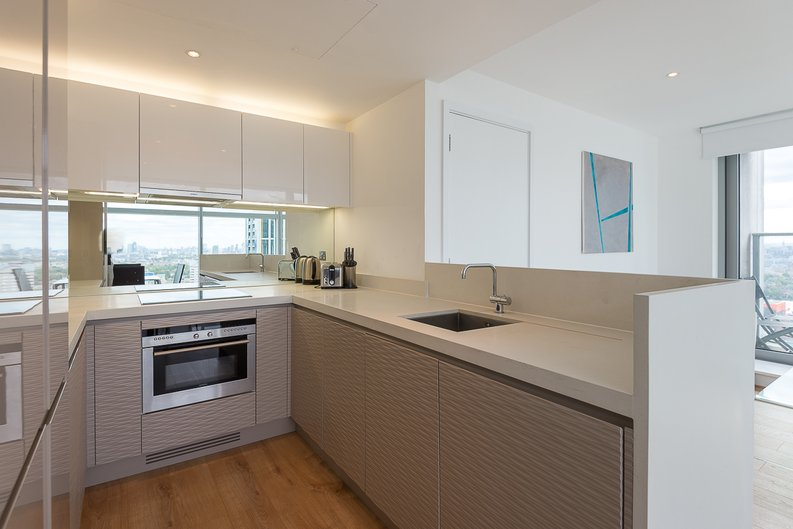 2 bedroom(s) apartment to sale in West Tower, Pan Peninsula Square, Canary Wharf-image 5