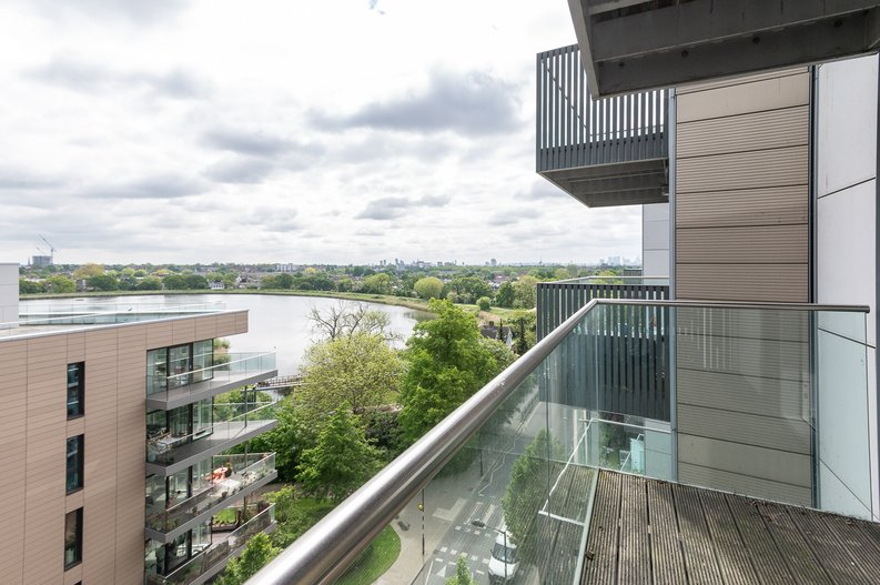 2 bedroom(s) apartment to sale in Goodchild Road, Woodberry Down, London-image 10