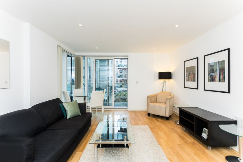 2 bedroom(s) apartment to sale in Waterside Apartments, Goodchild Road, Woodberry Down, Manor House-image 4