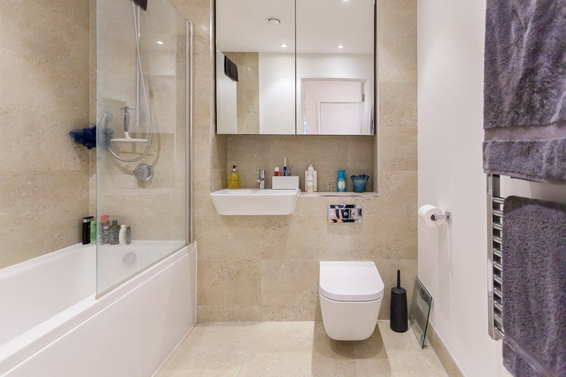 2 bedroom(s) apartment to sale in Edmunds House, Colonial Drive, London-image 8