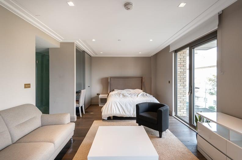 1 bedroom(s) apartment to sale in Queens Wharf, Crisp Road, Hammersmith-image 5