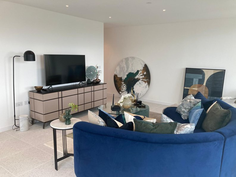 1 bedroom(s) apartment to sale in Stepney Way, Silk District,, White Chapel, London-image 2
