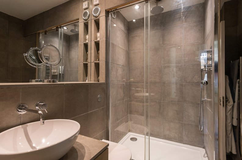 2 bedroom(s) house to sale in Queensberry Place, South Kensington-image 11
