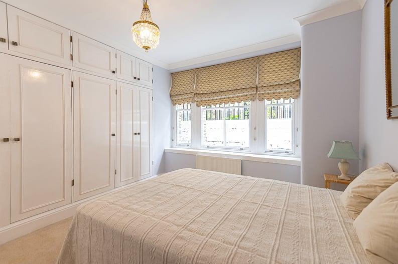 3 bedroom(s) apartment to sale in Walton Street, Kensington/Chelsea, London-image 21