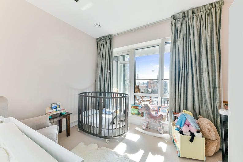 2 bedroom(s) apartment to sale in Belgravia House, Dickens Yard, Ealing, London-image 10