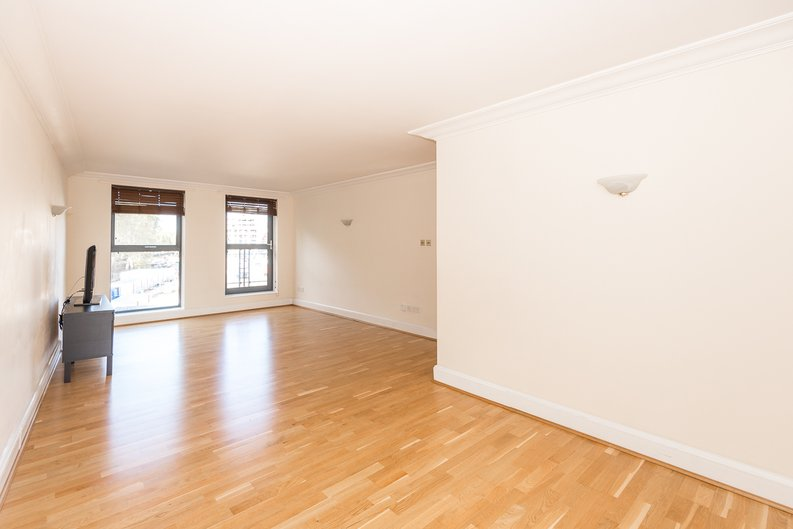 2 bedroom(s) apartment to sale in Chelsea Gate Apartments, 93 Ebury Bridge Road, Sloane Square-image 2