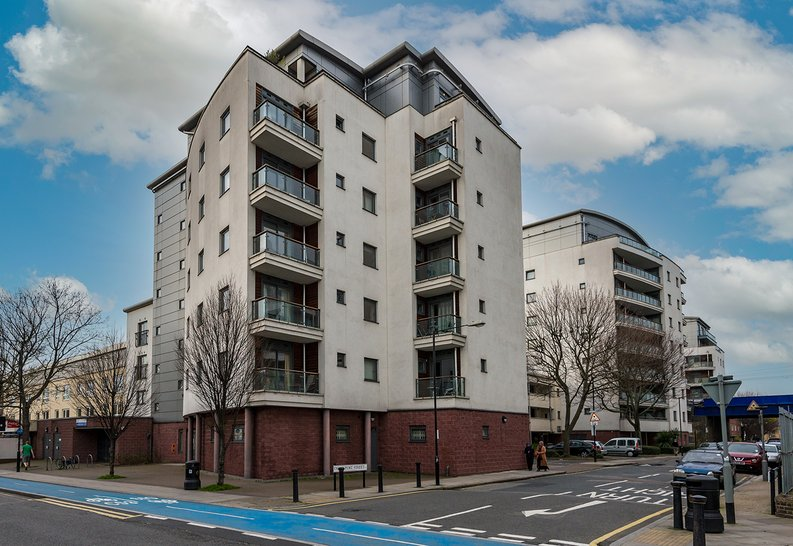 2 bedroom(s) apartment to sale in Ikon House, 447 Cable Street, Wapping, London-image 5