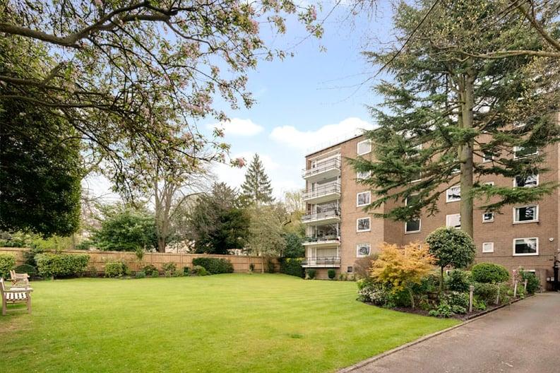 2 bedroom(s) apartment to sale in Broadlands Lodge, Broadlands Road, Highgate, London-image 1