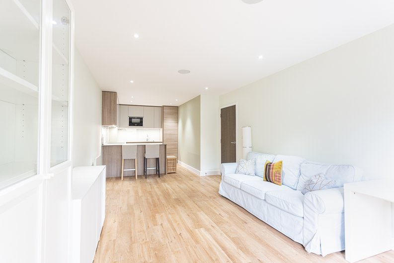 2 bedroom(s) apartment to sale in Aerodrome Road, Colindale, London-image 6