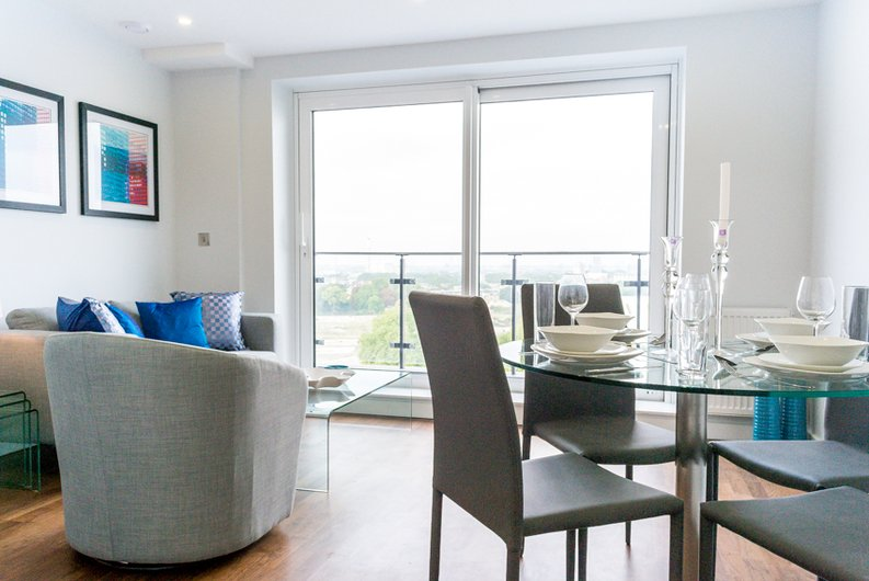 1 bedroom(s) apartment to sale in Cornmill House, 4 Wharf Street, London-image 1