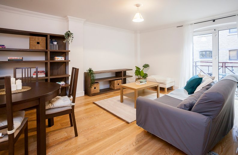2 bedroom(s) apartment to sale in Scotts Sufferance Wharf, 5 Mill Street, Bermondsey-image 2