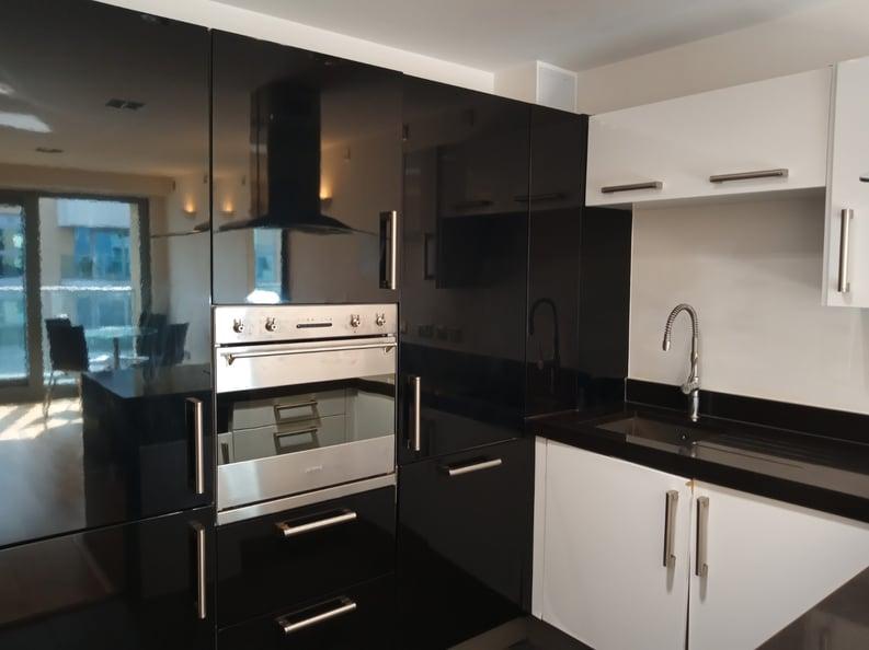 1 bedroom(s) apartment to sale in Vicentia Court, Bridges Court Road, London-image 2