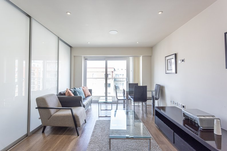 1 bedroom(s) apartment to sale in Carleton House, Boulevard Drive, Beaufort Park-image 8