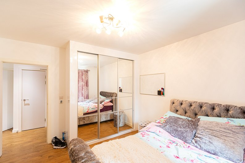 3 bedroom(s) apartment to sale in Olympic Way, Wembley, Greater London, London-image 10