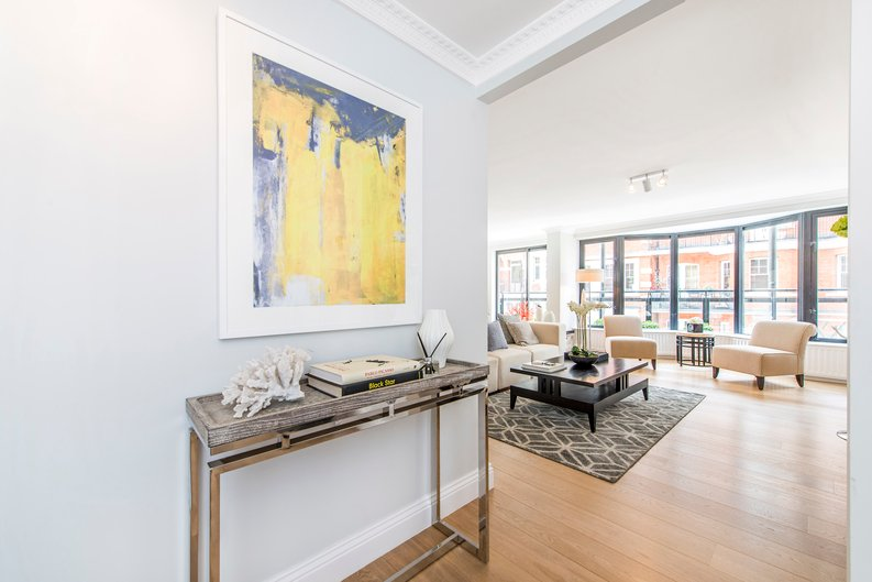 3 bedroom(s) apartment to sale in Drayton Gardens, Chelsea, London-image 14
