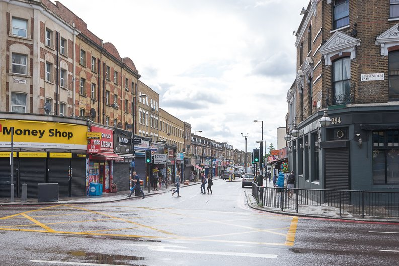 2 bedroom(s) to sale in City North, Finsbury Park, London-image 11