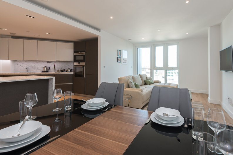 2 bedroom(s) apartment to sale in Lancaster House, Soverigen Court, Hammersmith , London-image 9