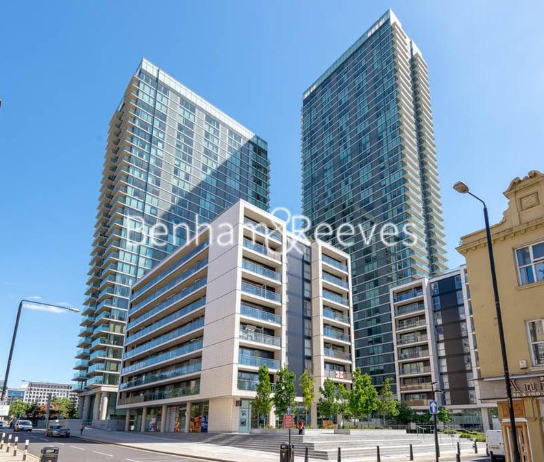 2 bedroom(s) apartment to sale in Landmark West Tower,, 22 Marsh Wall, London-image 6
