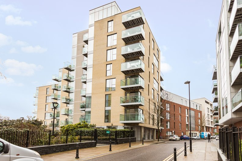 2 bedroom(s) apartment to sale in Waterside Apartments, Goodchild Road, Woodberry Down, Manor House-image 17