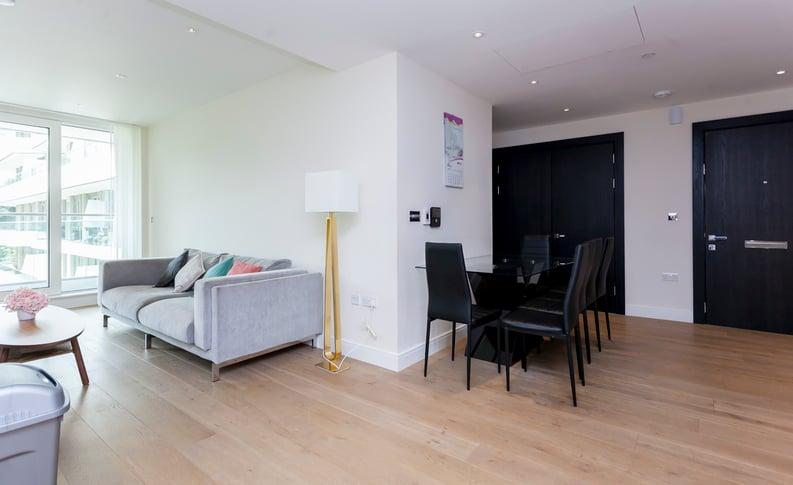 2 bedroom(s) apartment to sale in Cascade Court, Vista Chelsea Bridge, Battersea-image 3