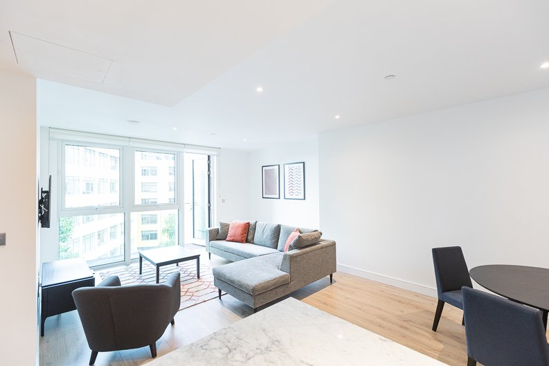 2 bedroom(s) apartment to sale in Marquis House, Sovereign Court, Hammersmith-image 6