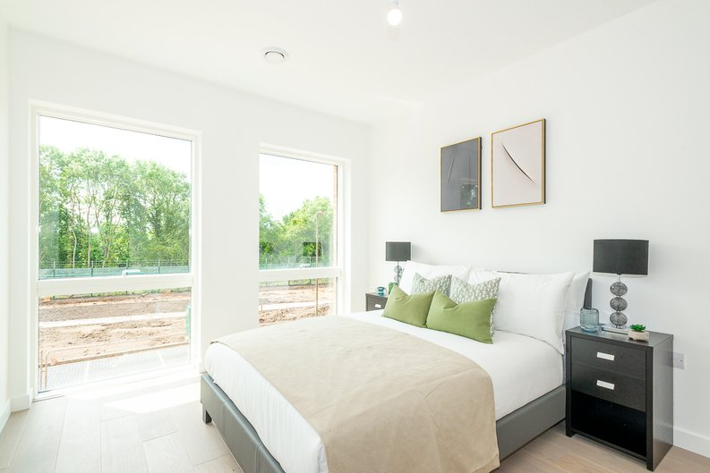 2 bedroom(s) apartment to sale in Thonrey Close, Colindale Gardens, Colindale-image 9