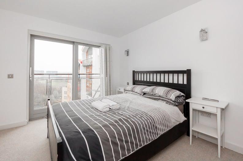 2 bedroom(s) apartment to sale in Metcalfe Court, John Harrison Way, Greenwich Millennium Village , Greenwich-image 2