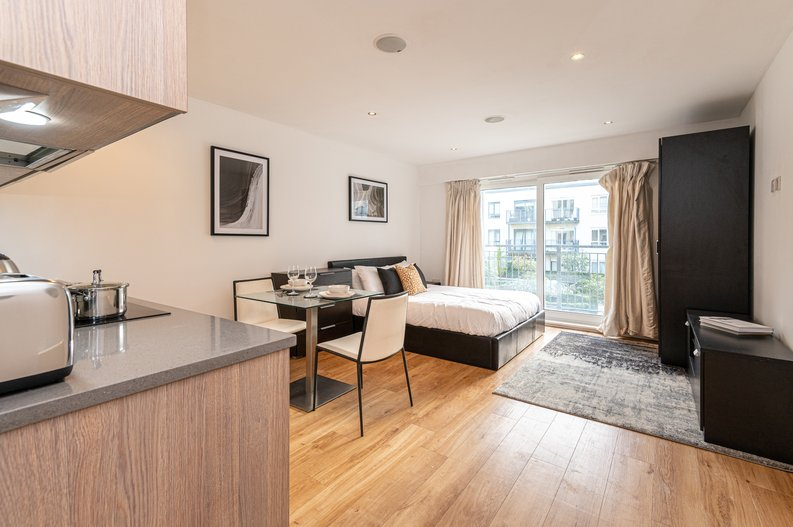 Studio apartment to sale in Heritage Avenue, London-image 1