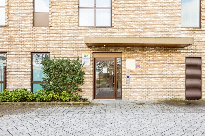 2 bedroom(s) apartment to sale in Bodiam Court, Park Royal-image 18