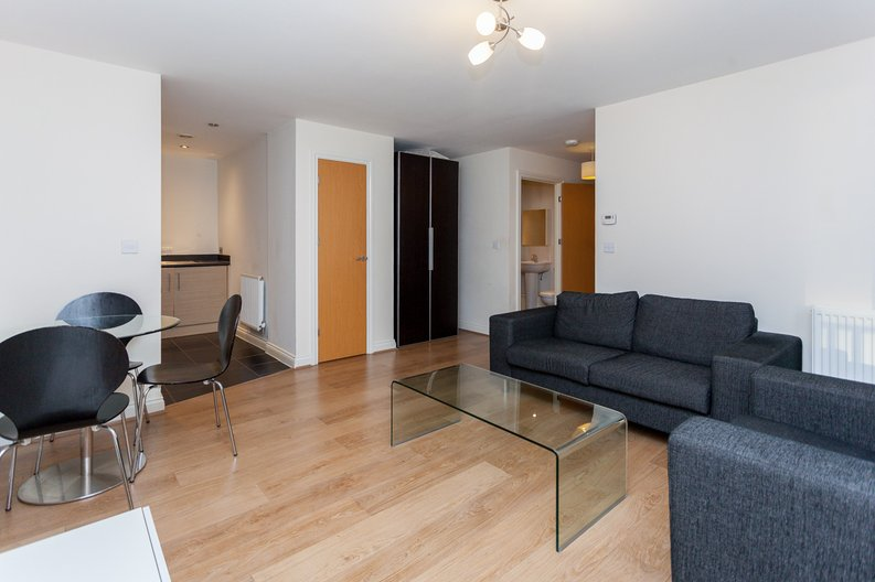 1 bedroom(s) apartment to sale in Conrad Court, 2 Needleman Close, Colindale Gardens, Colindale-image 2