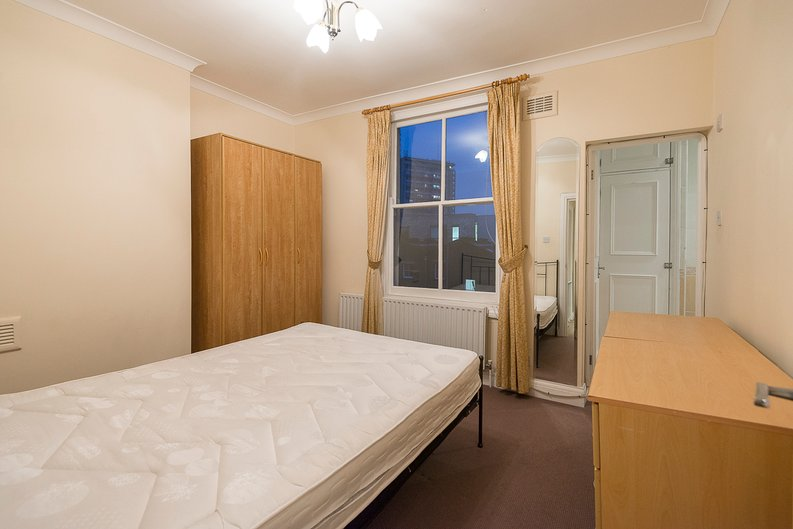 2 bedroom(s) apartment to sale in Sutherland Avenue, Maida Vale-image 7