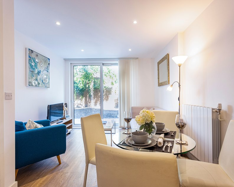 1 bedroom(s) apartment to sale in Ashton Reach, Surrey Quays, London-image 5
