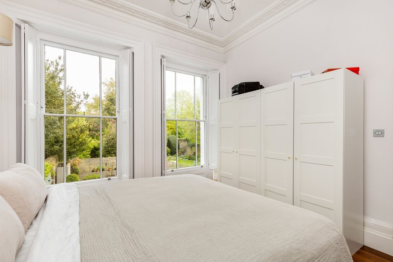 2 bedroom(s) apartment to sale in The Green, Surrey, Richmond-image 15