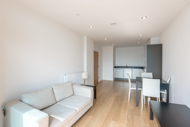 1 bedroom(s) apartment to sale in Iona Tower, 33 Ross Way, Limehouse-image 2
