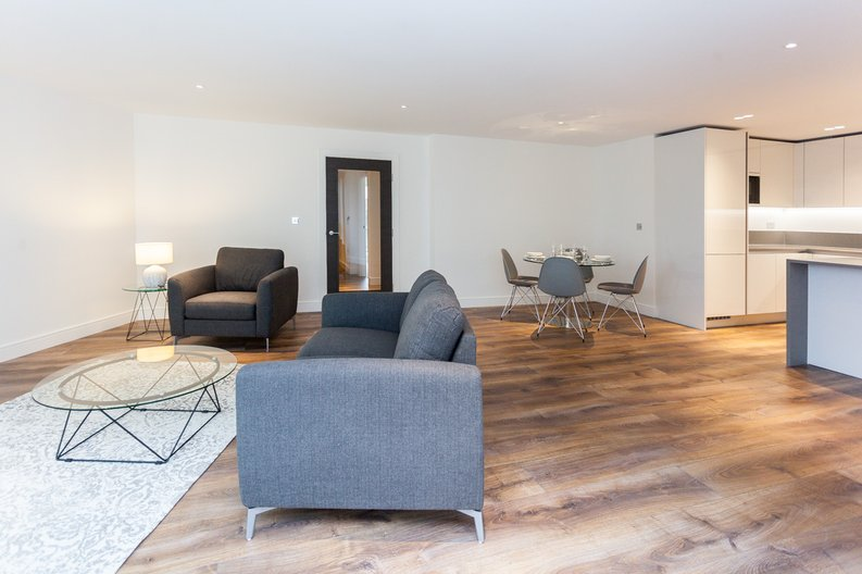 2 bedroom(s) apartment to sale in Quartz House, Dickens Yard, Ealing-image 3