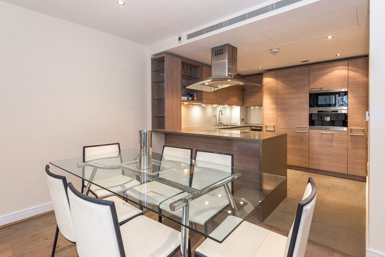 2 bedroom(s) apartment to sale in Mahogany House, Lensbury Avenue, Fulham-image 4