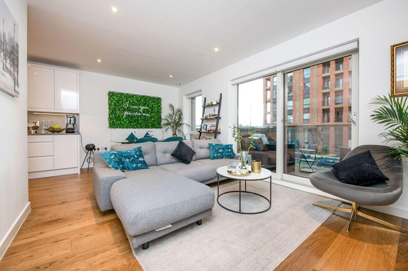 1 bedroom(s) apartment to sale in Newington House, 10 Lismore Boulevard, Colindale Gardens-image 1