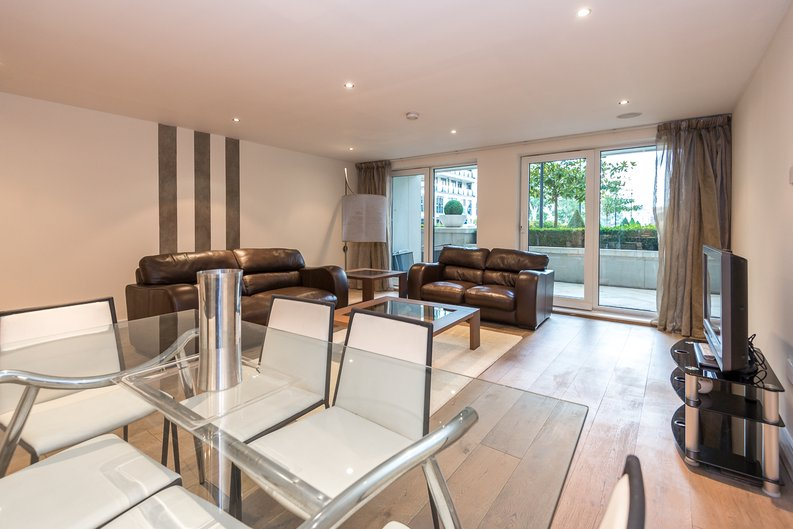 2 bedroom(s) apartment to sale in Mahogany House, Lensbury Avenue, Fulham-image 11