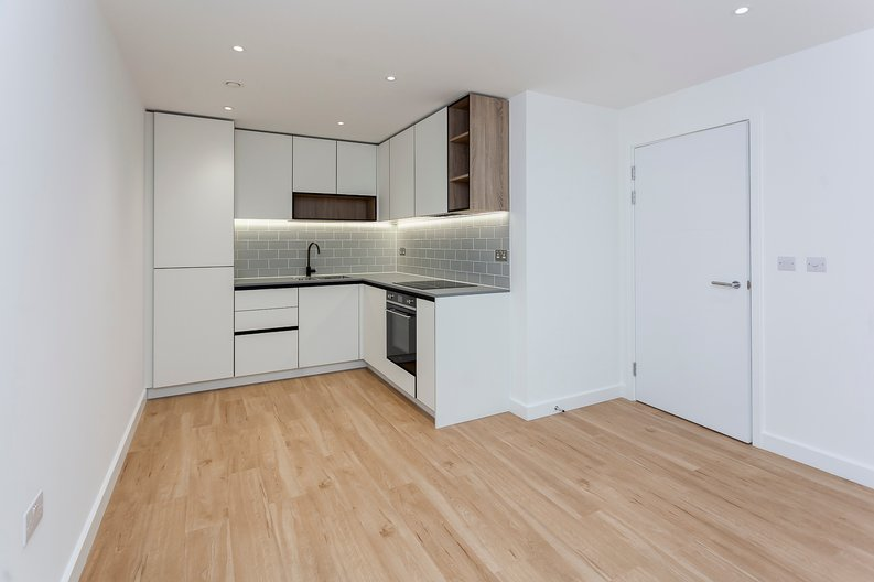 2 bedroom(s) apartment to sale in Fairbank House, 13 Beaufort Square, Beaufort Park-image 5