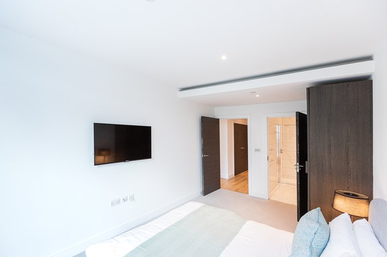 2 bedroom(s) apartment to sale in Marquis House, Sovereign Court, Hammersmith-image 26
