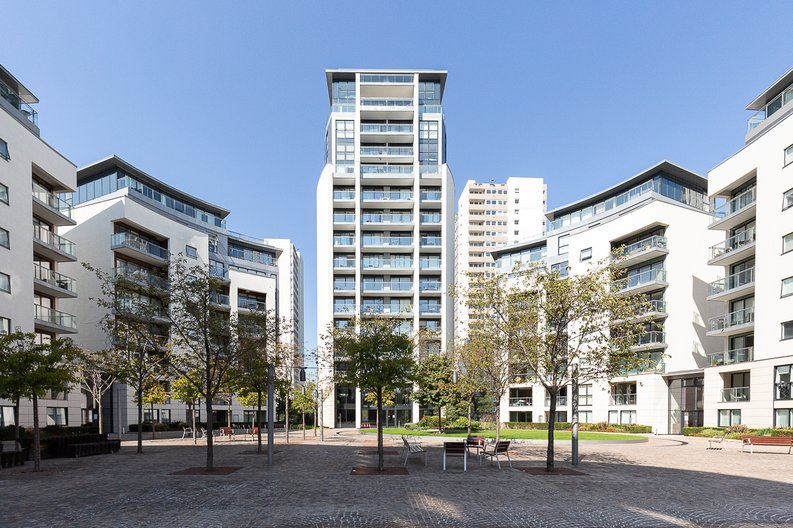 2 bedroom(s) apartment to sale in Hyperion Tower, Pump House Crescent, Greater London, Brentford-image 9