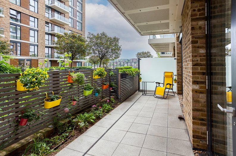 1 bedroom(s) apartment to sale in Drummond House, Victory Parade, Woolwich, London-image 5
