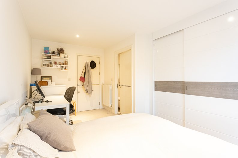 2 bedroom(s) apartment to sale in Cadmus Court, Seafarer Way, Surrey Quays, London-image 12