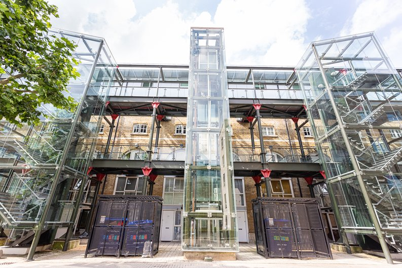 2 bedroom(s) apartment to sale in Hopton Road, Woolwich, London-image 15