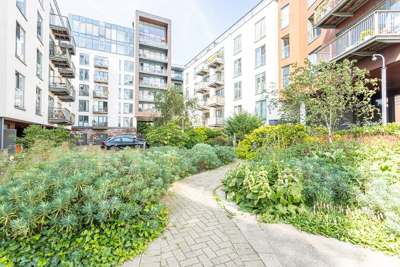 2 bedroom(s) apartment to sale in Roach Road, Hackney Wick, London-image 22