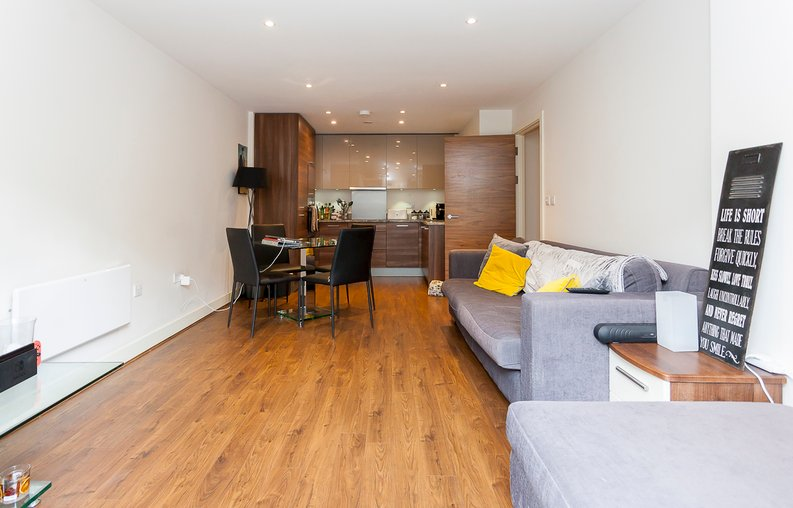2 bedroom(s) apartment to sale in Napier House, Bromyard Avenue, Acton-image 9