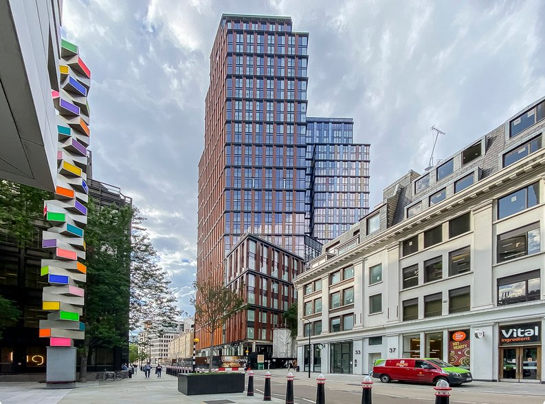 1 bedroom(s) apartment to sale in One Crown Place, Shoreditch, London-image 1