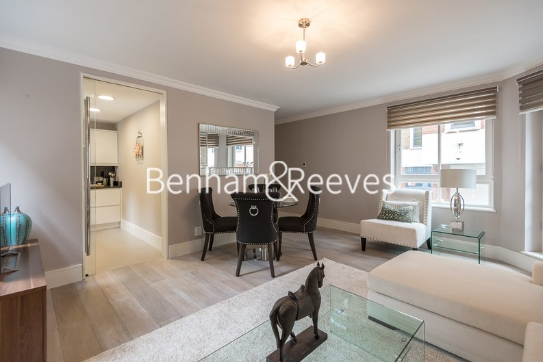 1 bedroom(s) apartment to sale in Clarges Mews, London-image 12