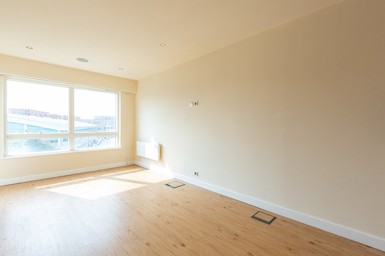 1 bedroom(s) apartment to sale in Curtiss House, Heritage Avenue, Beaufort Park , London-image 1